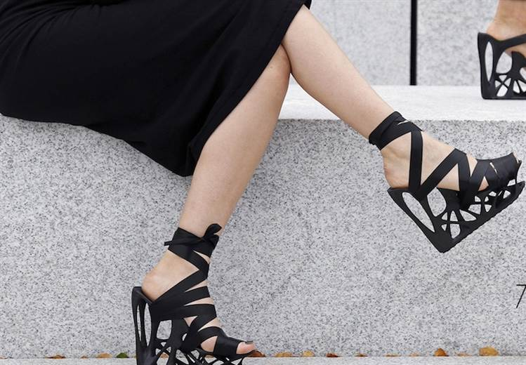 Atossa offers 3D printed high-heeled shoes for $99