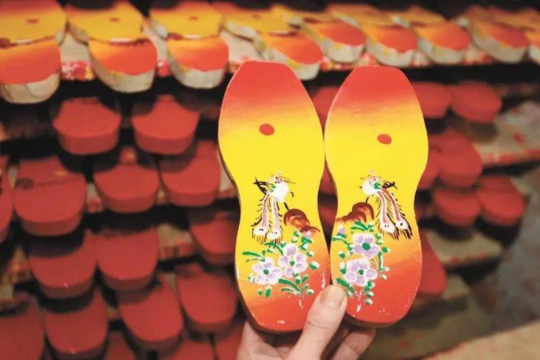 Chinese artisan an inheritor of Dongguan ICH